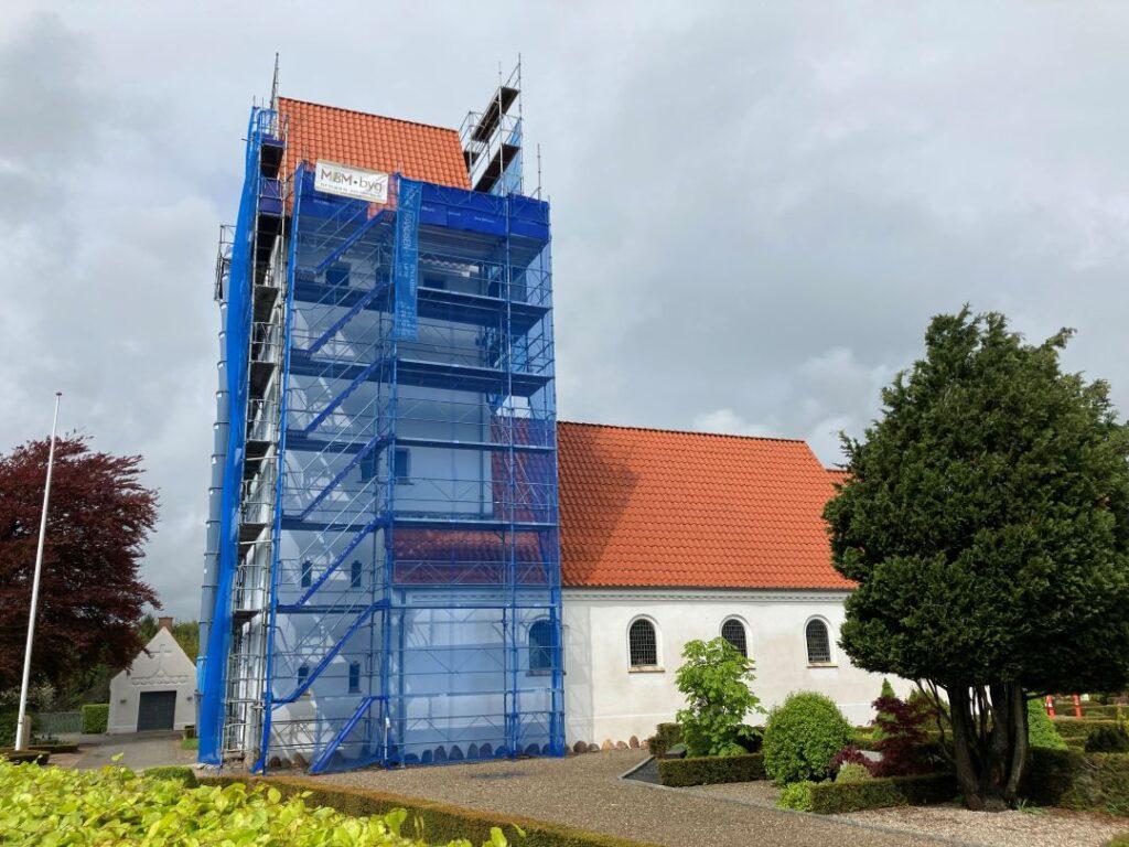 Nyt tag på Vonge Kirke